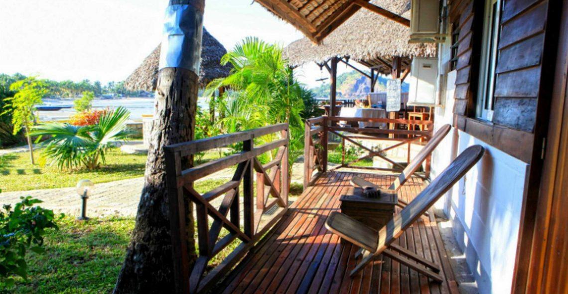 Terrasse bungalow hôtel ylang nosy be